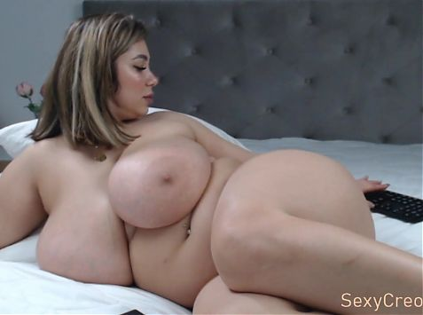 Luscious woman with rounded curves shows her sexy side