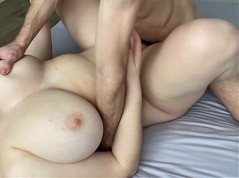 OMG! HE BROKE THE CONDOM AND CAME INSIDE MY PUSSY