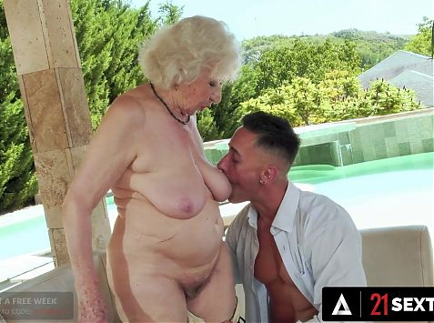 Senior MILF Shocks Hunk With Her Incredible Pussy